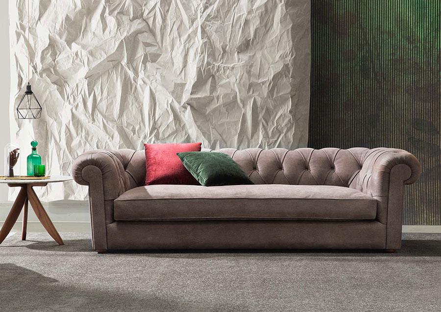 Modello di divano Divano Chesterfield a tre posti n.02