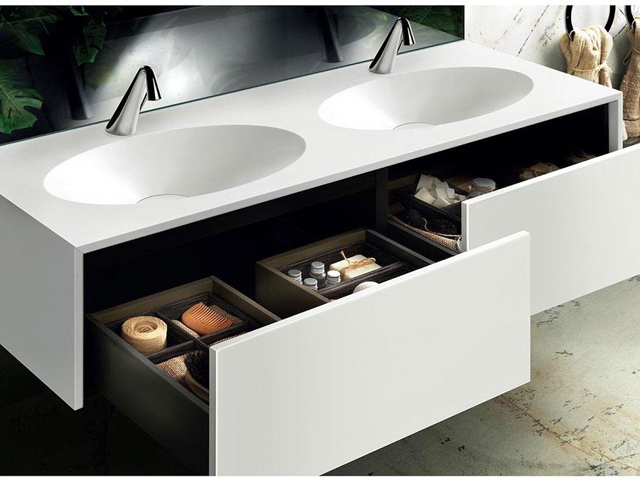 Modello di mobile bagno sospeso con doppio lavabo n.02