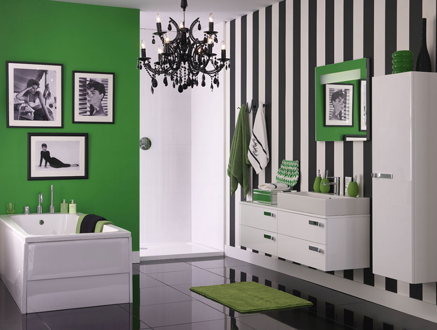 Idee per pareti a righe verticali bianche e nere n.03