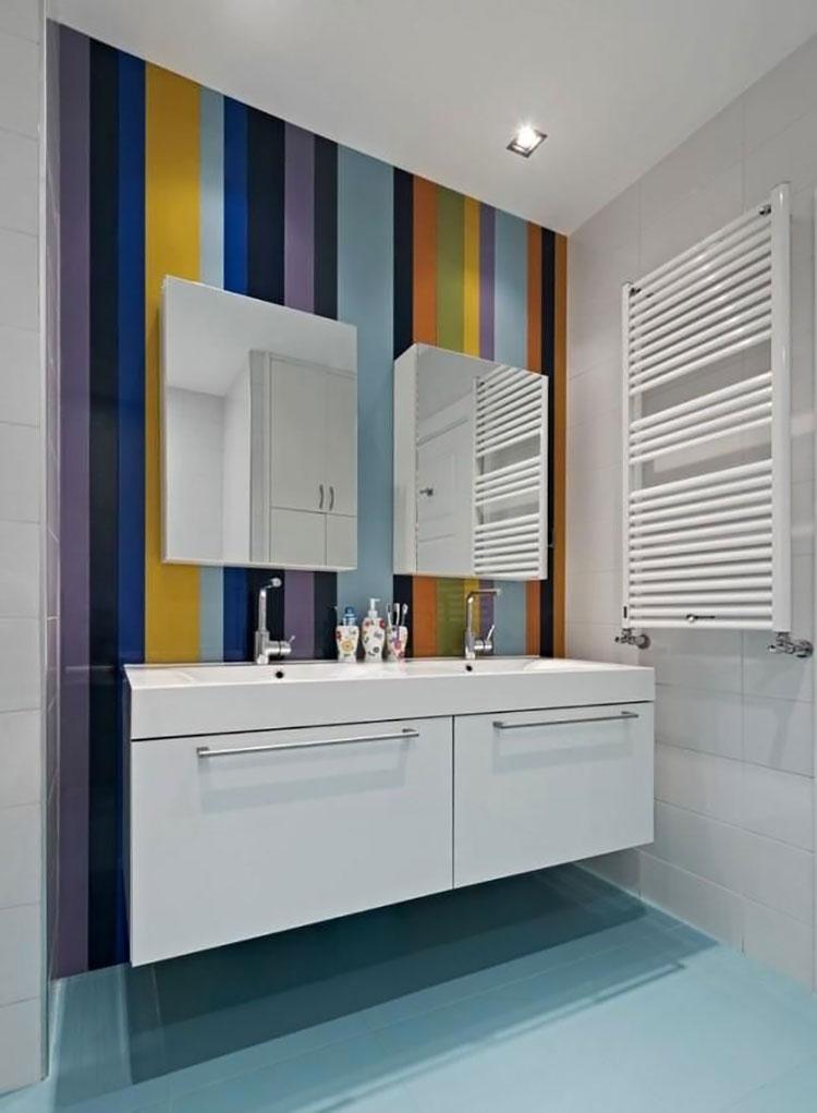 Idee per pareti a righe verticali colorate n.06