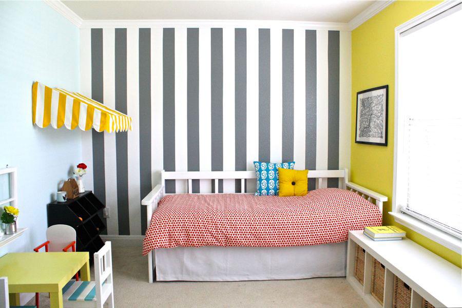 Idee per pareti a righe verticali grigie n.04