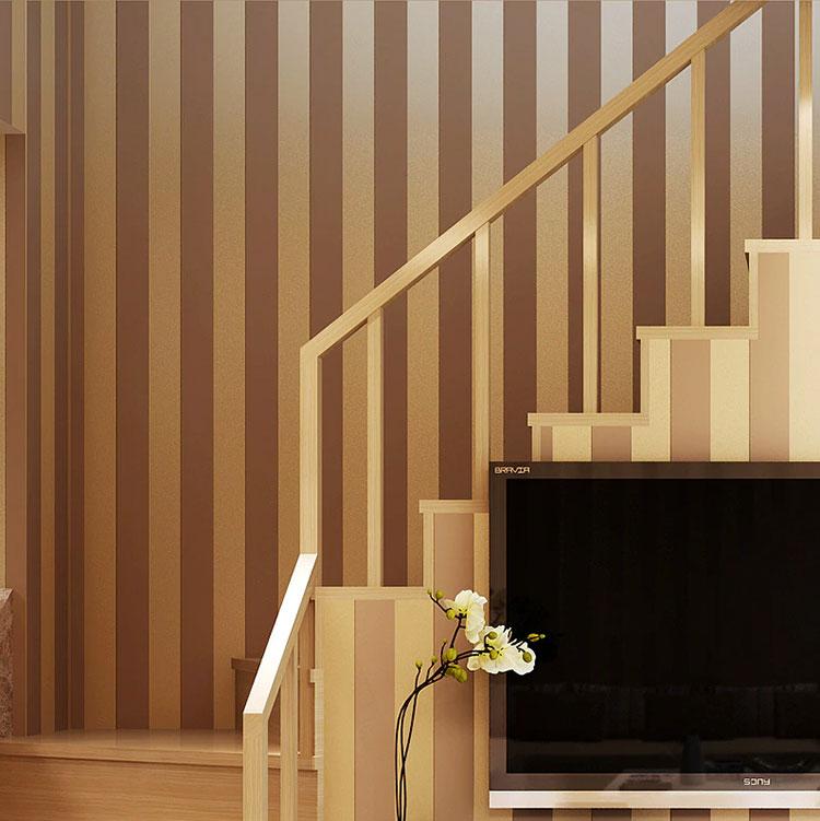 Idee per pareti a righe verticali oro n.01