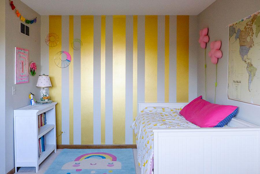 Idee per pareti a righe verticali oro n.03