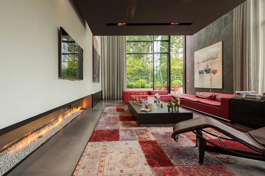 Idee per arredare un salotto con divano rosso n.07