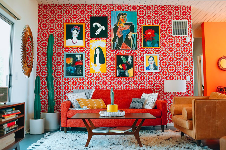 Idee per arredare un salotto con divano rosso n.10