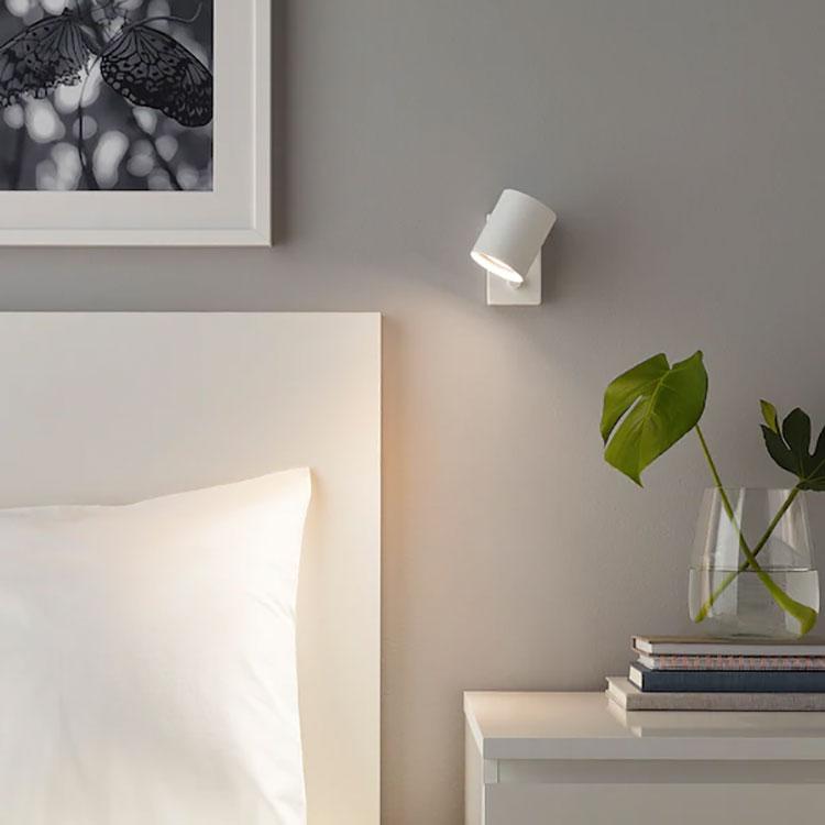 Modello di applique per camera da letto Ikea n.01