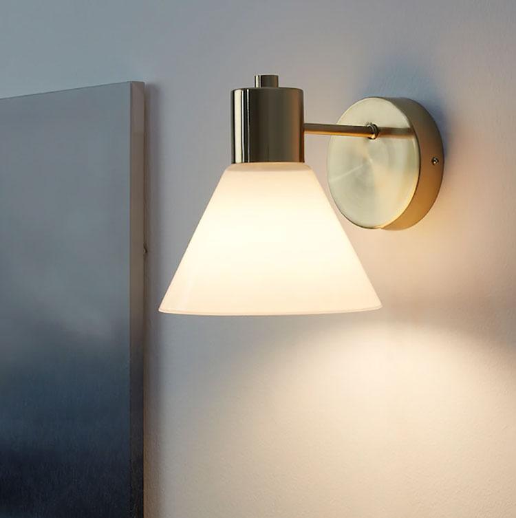 Modello di applique per camera da letto Ikea n.06