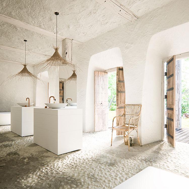 Arredamento per bagno in stile rustico moderno n.01
