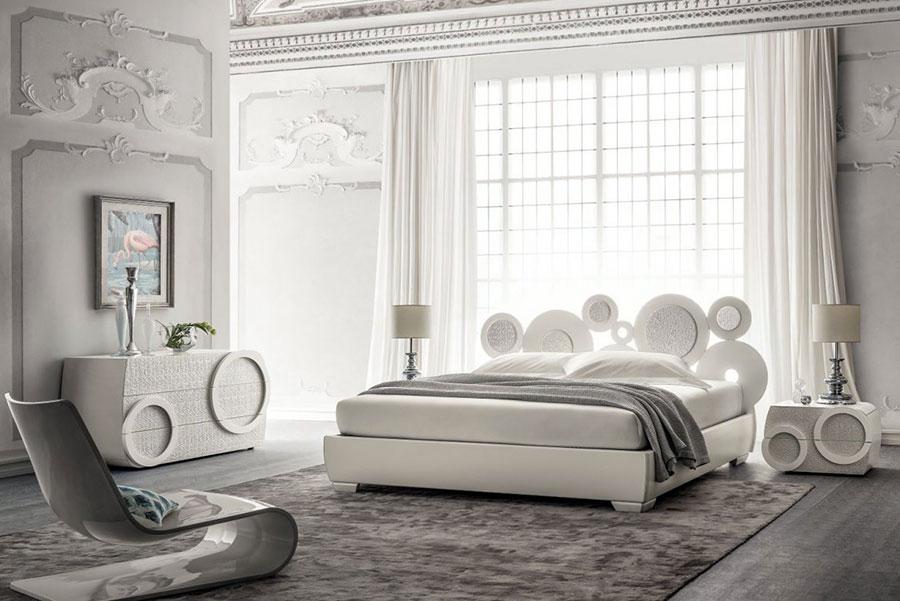 Modello di camera da letto contemporanea bianca n.01