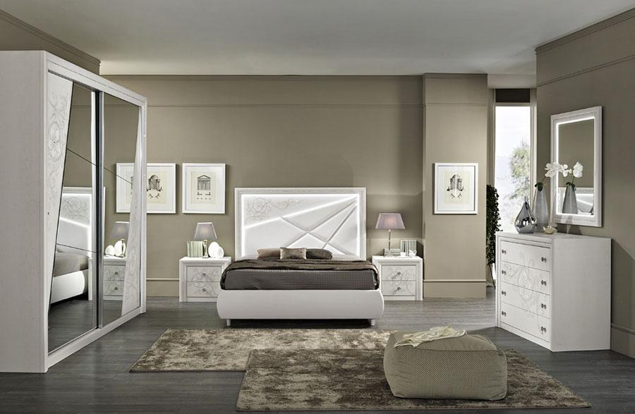Modello di camera da letto contemporanea bianca n.06