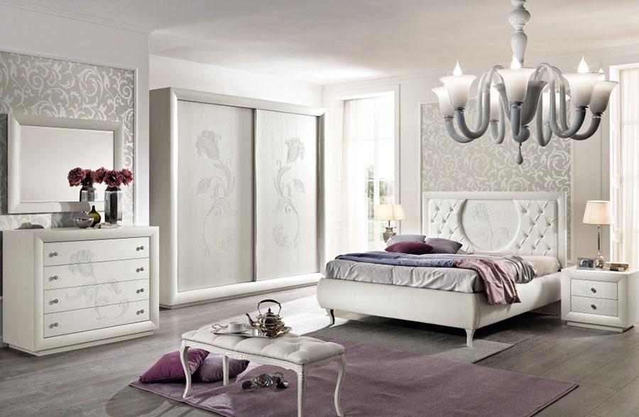 Modello di camera da letto contemporanea bianca n.07