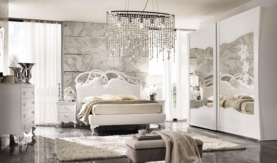 Modello di camera da letto contemporanea con Swarosvki n.04