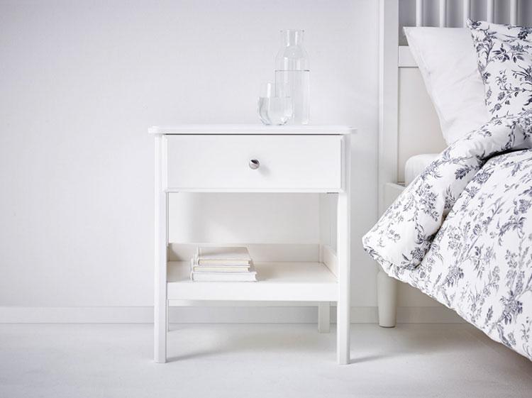 Modello di comodino shabby chic Ikea n.03
