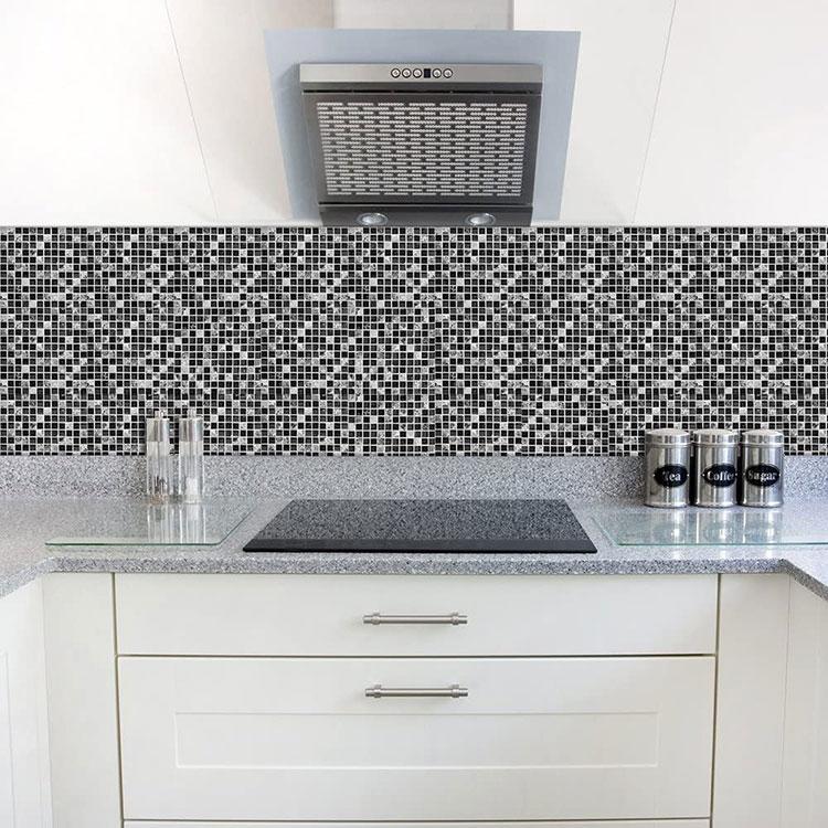 Modello di paraschizzi per cucina adesivo effetto mosaico n.03