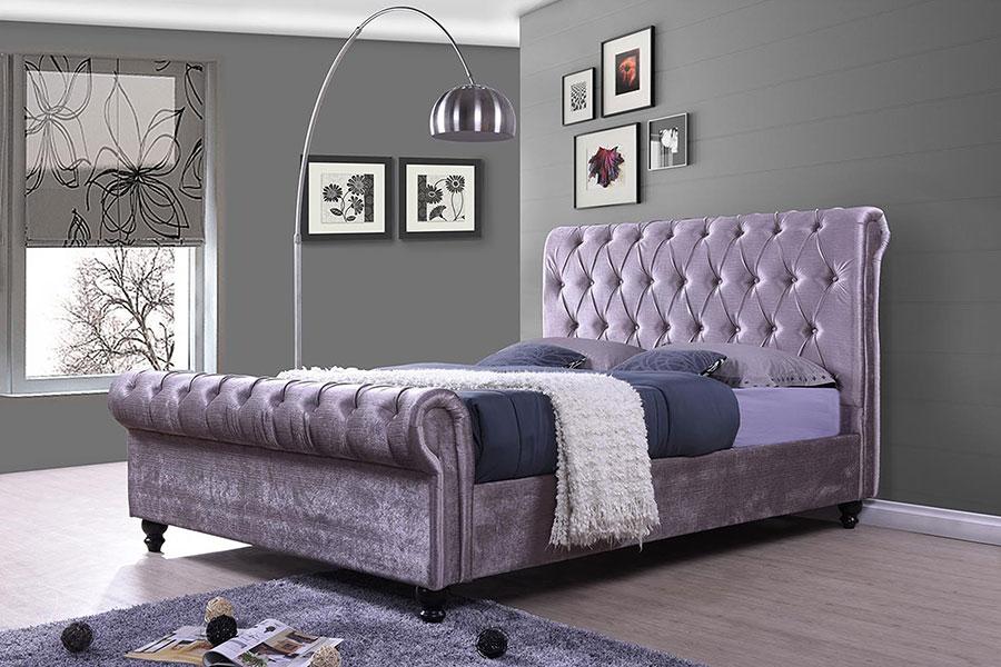 Modello di letto colore lavanda