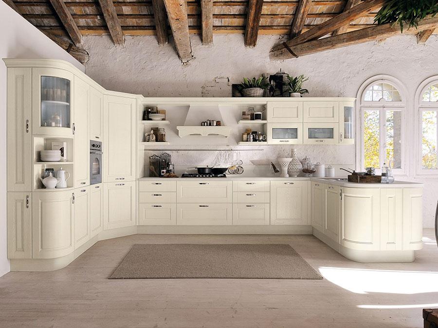 Modello di cucina classica avorio n.01