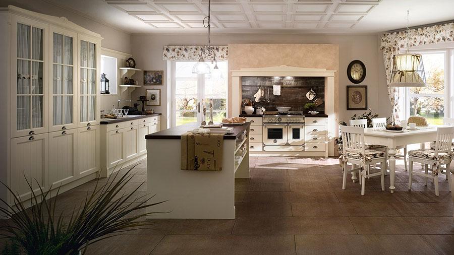 Modello di cucina classica avorio n.07