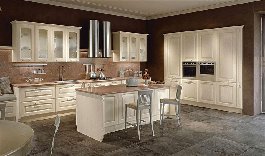 Modello di cucina classica avorio decapè n.01