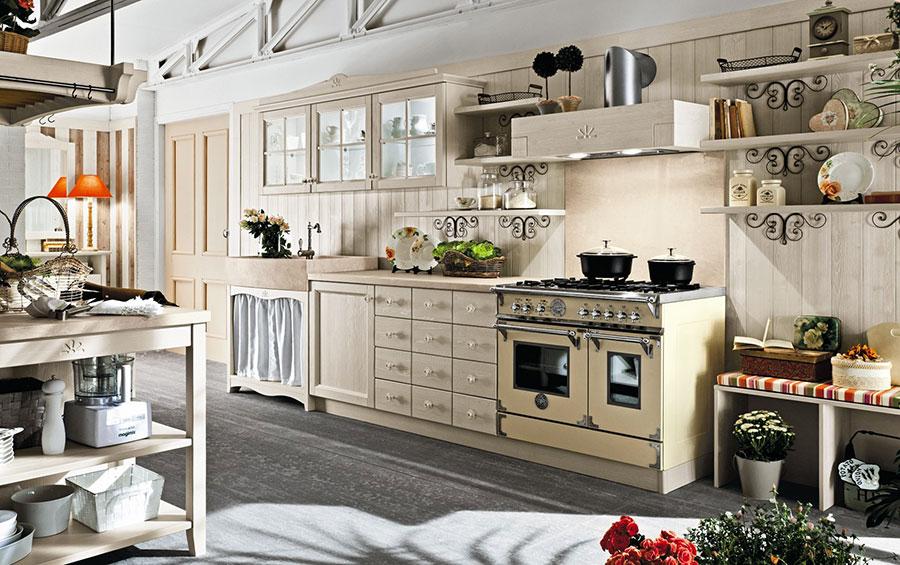 Modello di cucina classica avorio decapè n.05