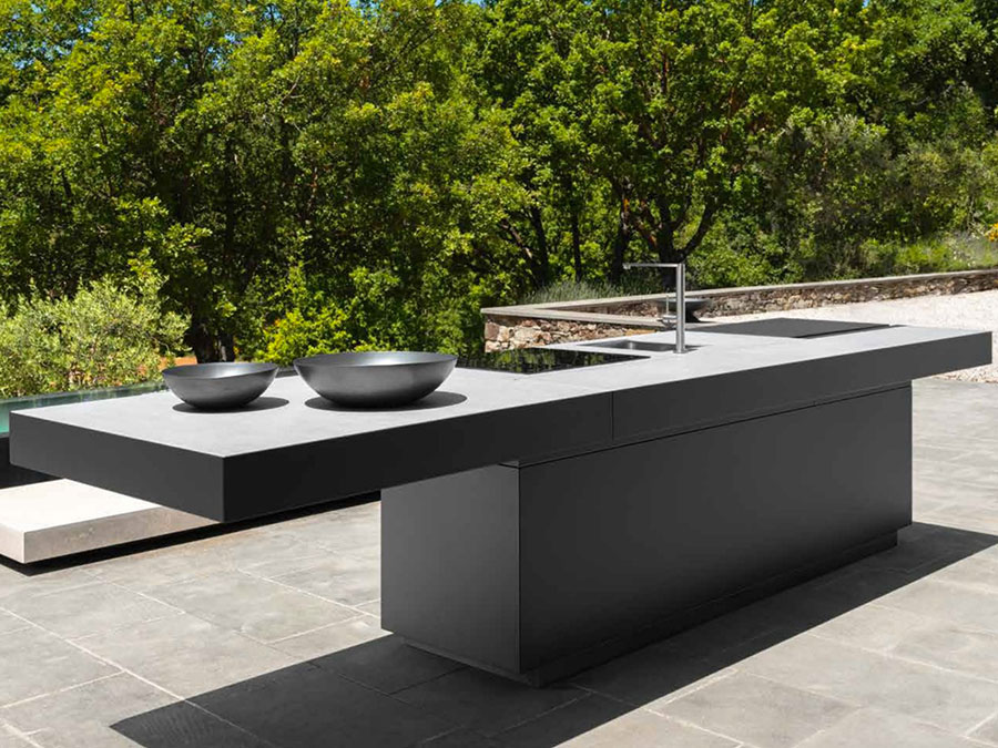 Cucina da esterno dal design moderno e funzionale n.22