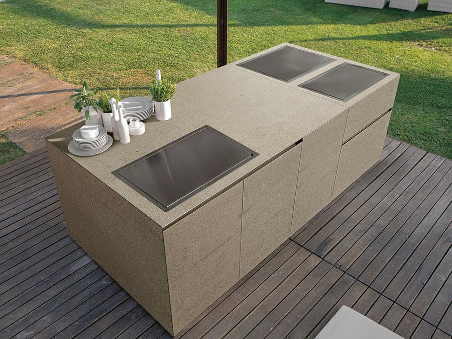 Cucina da esterno dal design moderno e funzionale n.24
