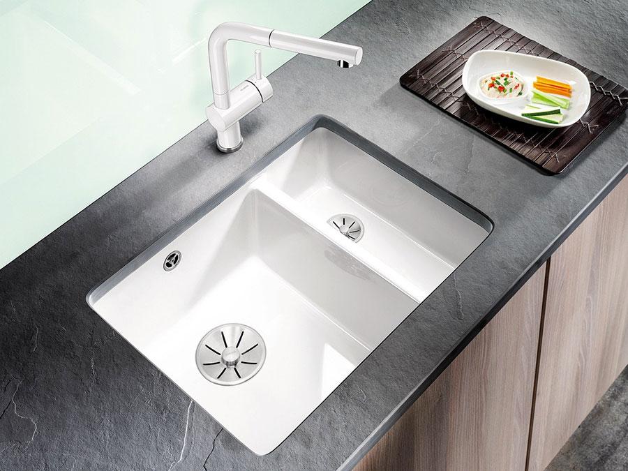 Modello di lavello da cucina in ceramica n.01