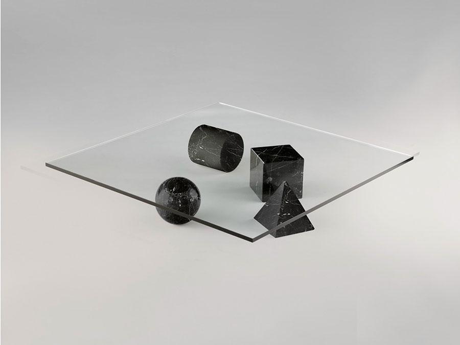 Modello di tavolino da salotto in vetro n.38
