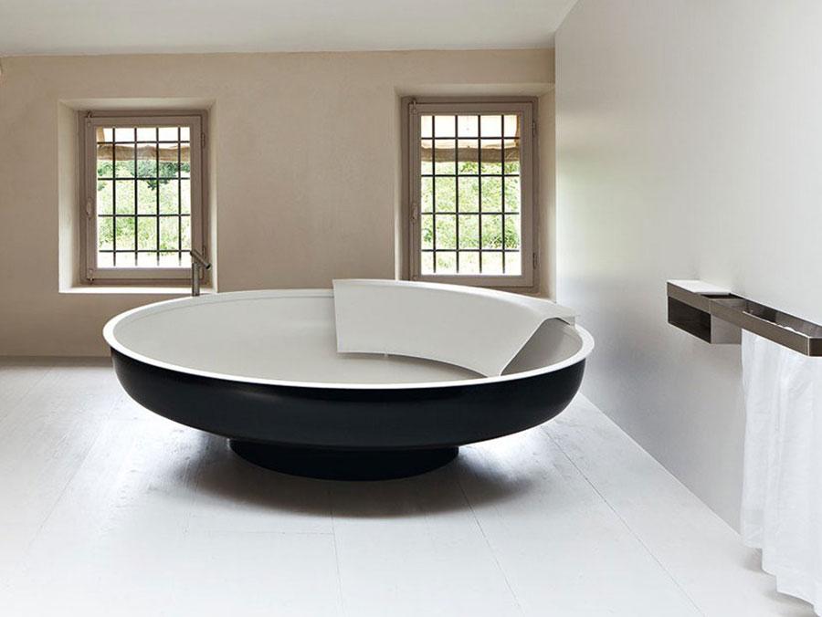Modello di vasca da bagno nera n.23