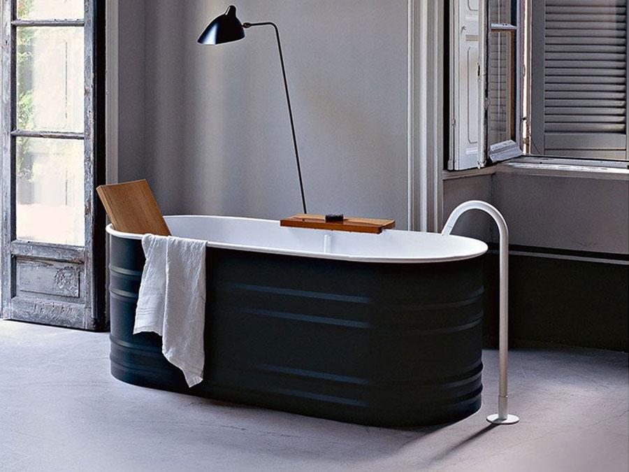 Modello di vasca da bagno nera n.24