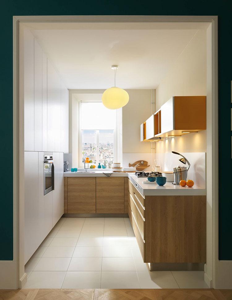 Idee per una cucina ad angolo con finestra n.01