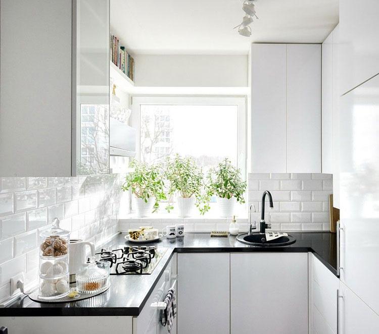 Idee per una cucina ad angolo con finestra n.03