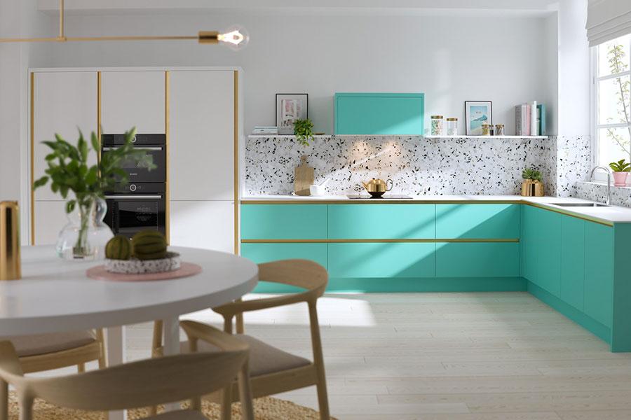 Idee per una cucina ad angolo con finestra n.09