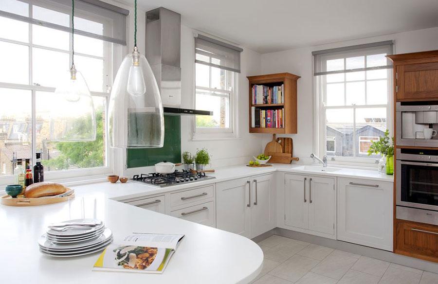Idee per una cucina con finestra all'americana n.03