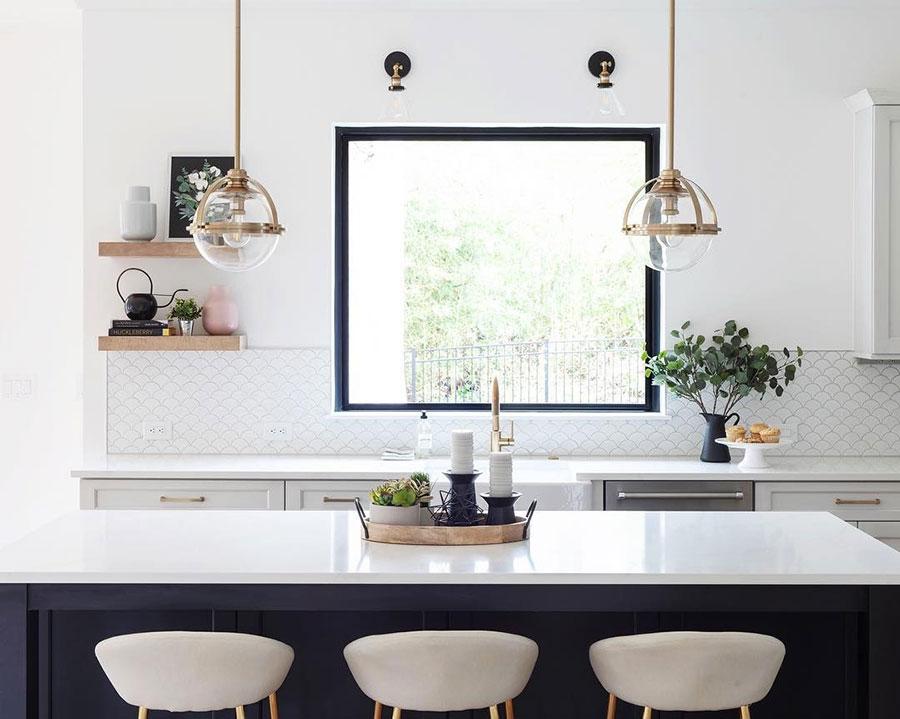 Idee per una cucina con finestra sul lavello n.03