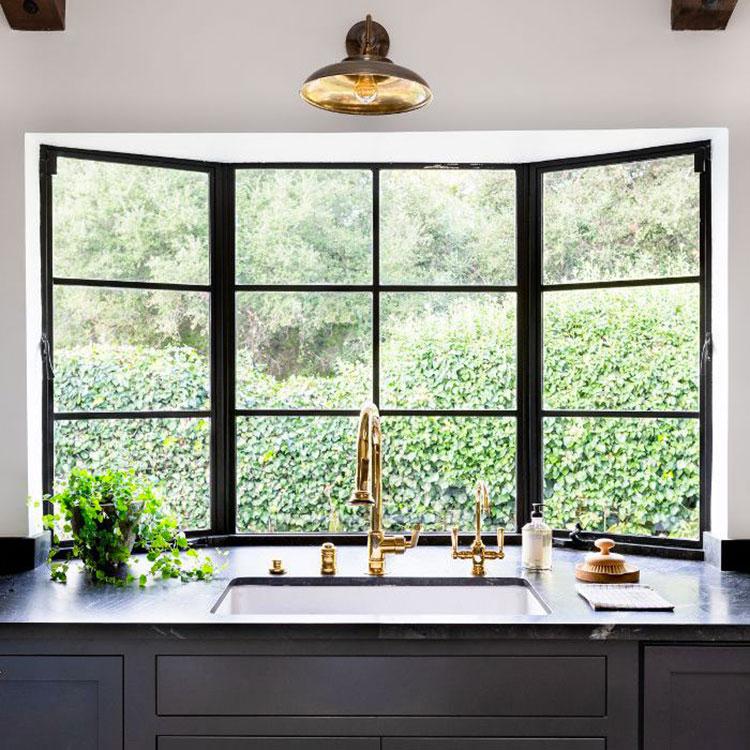 Idee per una cucina con finestra sul lavello n.07