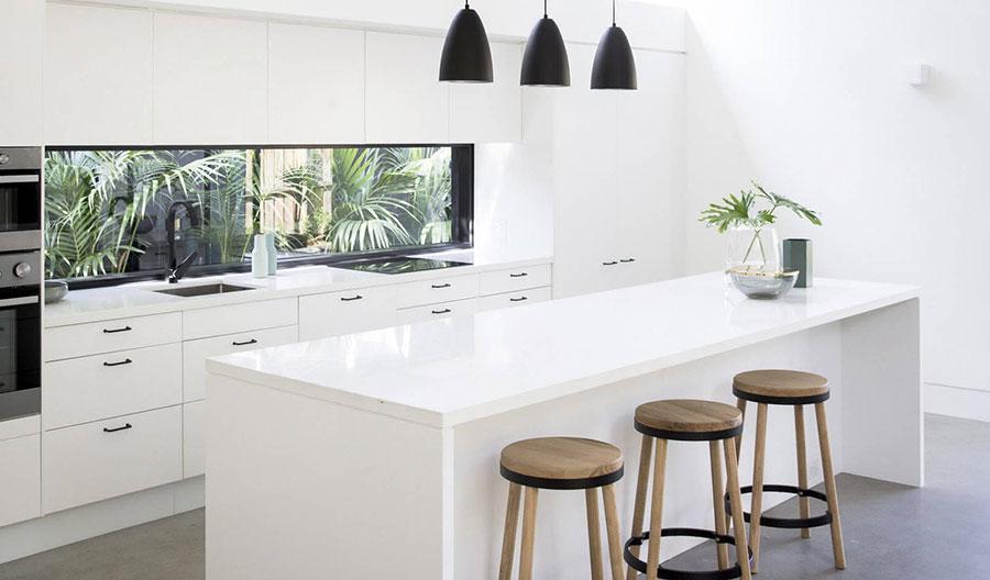 Idee per una cucina finestra lunga n.02