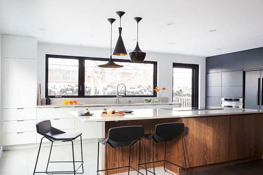 Idee per una cucina con porta finestra n.02