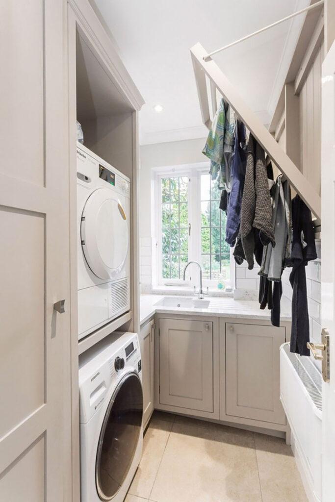 Idee per organizzare una lavanderia piccola n.10