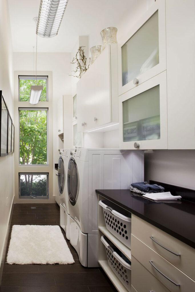 Idee per organizzare una lavanderia piccola n.11