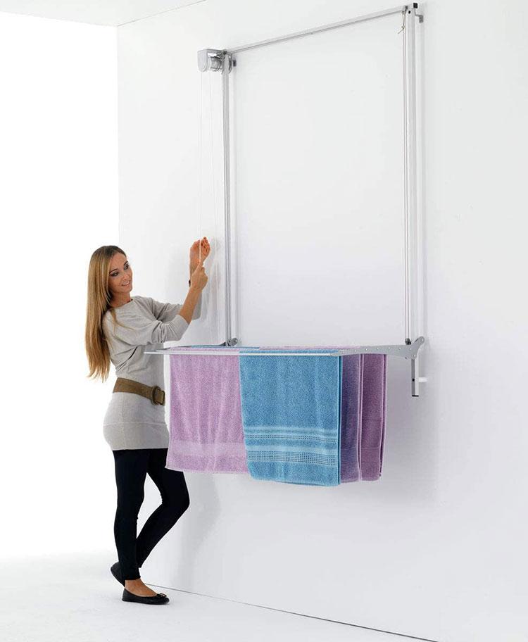 Stendibiancheria a scomparsa per lavanderia piccola 1