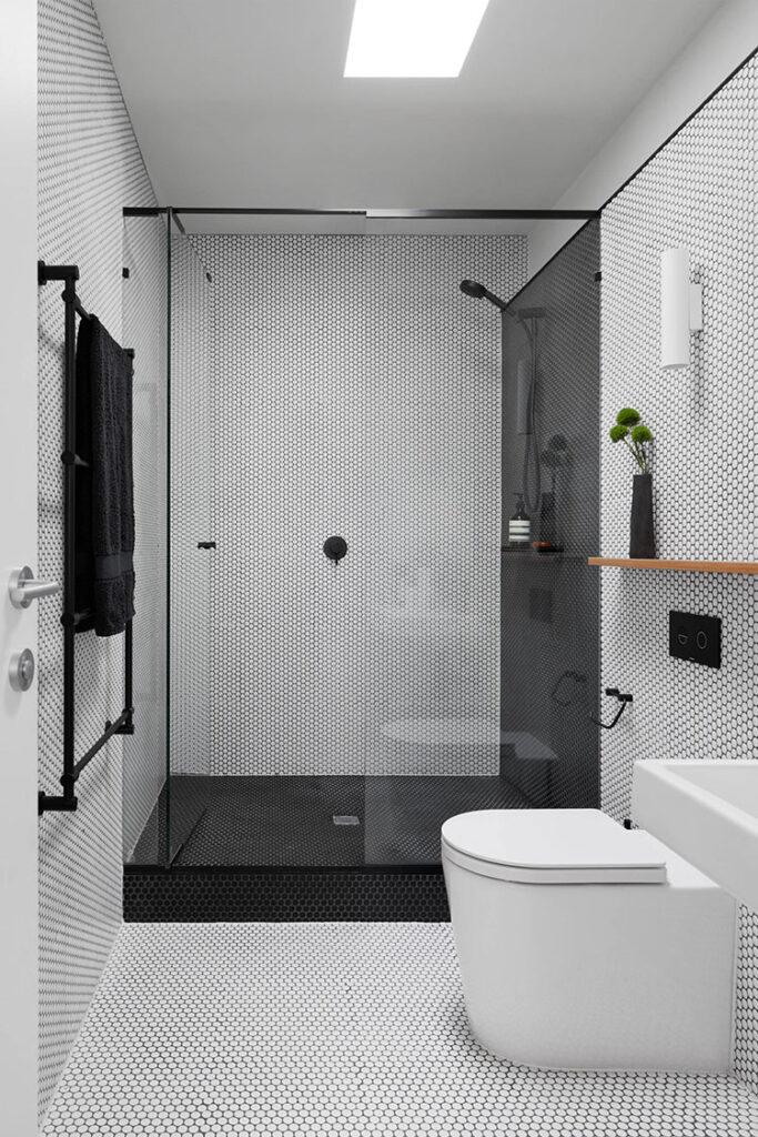 Idee per bagno nero e bianco vintage n.02