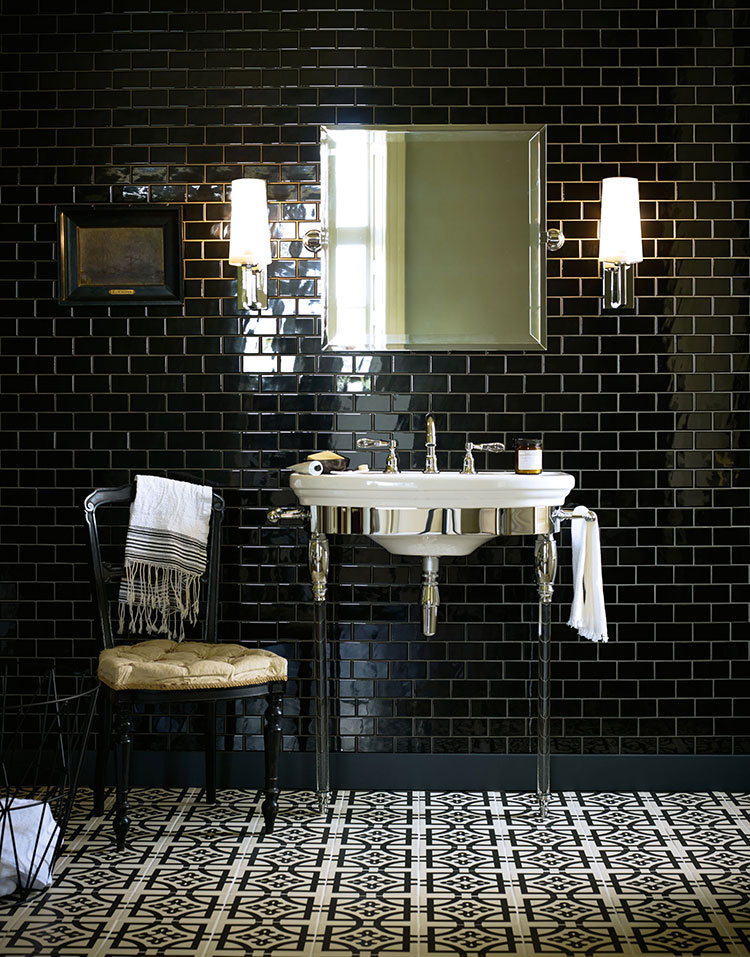Idee per bagno nero lucido n.03