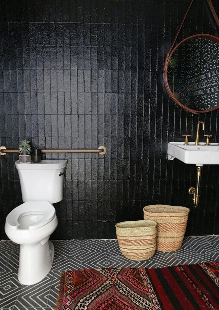 Idee per bagno nero lucido n.04
