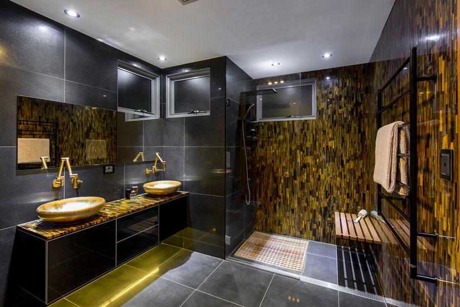 Idee per bagno nero e oro n.01