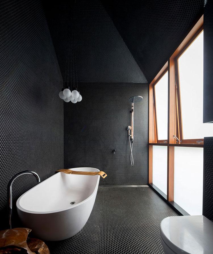 Idee per bagno con pavimento nero n.03