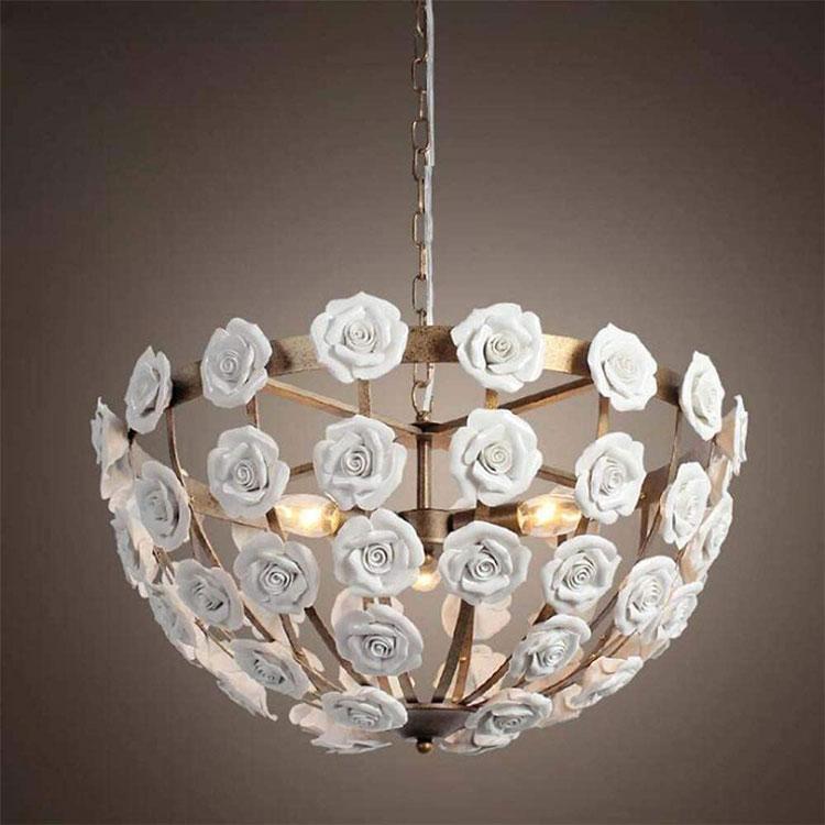 Modello di lampadario in ferro battuto e ceramica n.04