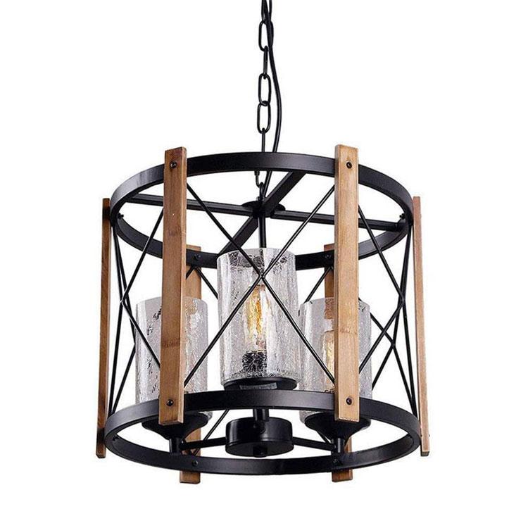 Modello di lampadario in ferro battuto e legno n.02