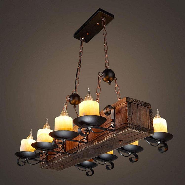 Modello di lampadario in ferro battuto e legno n.04
