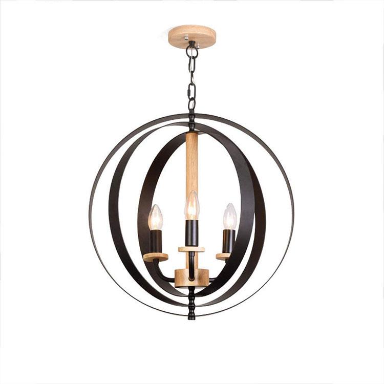 Modello di lampadario in ferro battuto e legno n.05