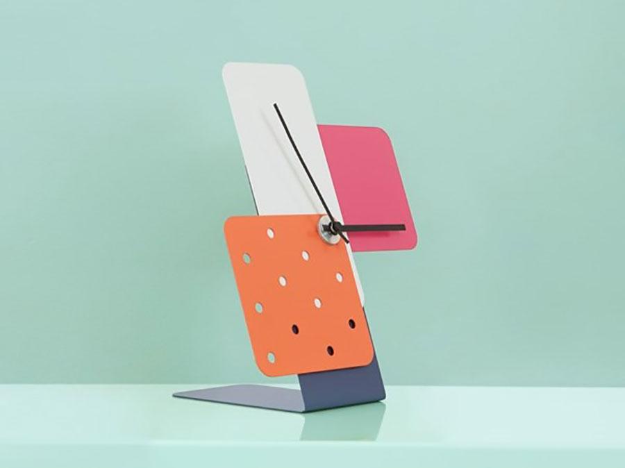 Modello di orologio da tavolo particolare 05